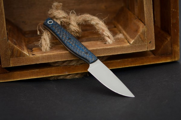 Heidi Blacksmith Custom Knives Carbon blau