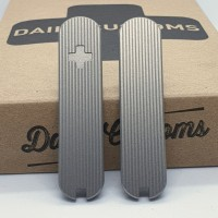 Daily Customs 58 mm Schalen Pinstripes Titan mit Aussparungen